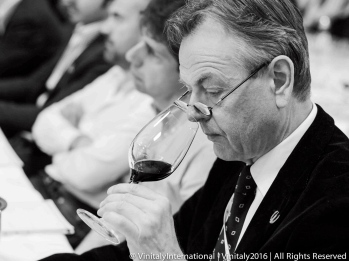 Richard judging @ Vinitaly